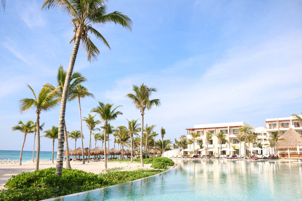 Secrets akumal riviera maya resort passport to friday for Hotels secrets